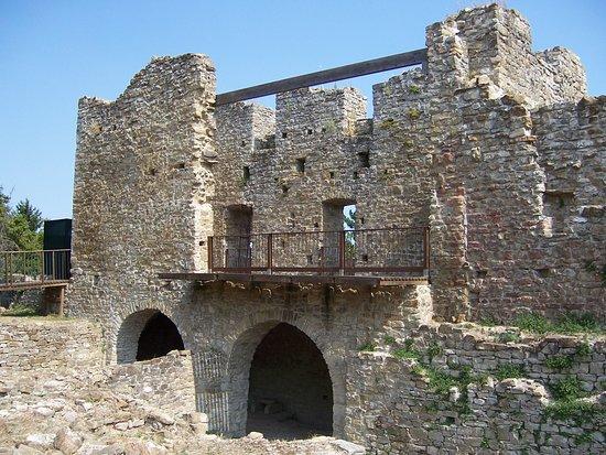 Castello di Tizzano Val Parma