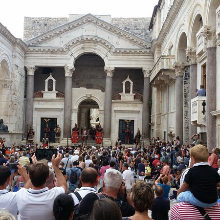 Peristil square in Diocletian's Palace - Airbnb Experience - Discover Split History with the local