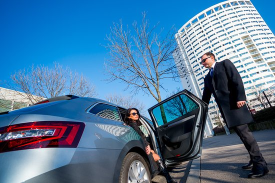Airport transfer service for business purpose
