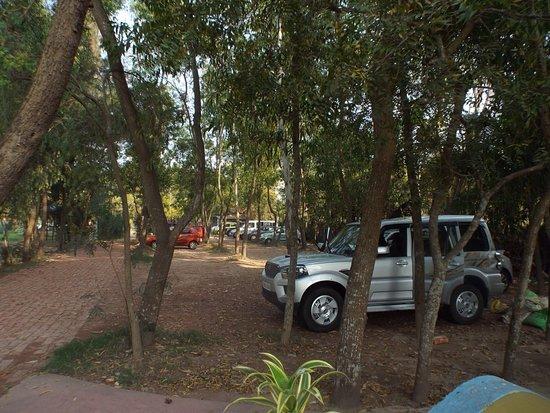Nirala Resort: Parking Lot