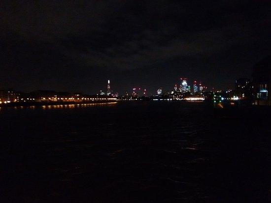 Thames vista towards the Shard