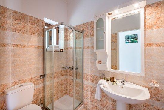 Classic Suite bathroom