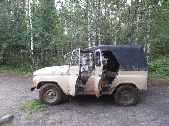 WWD jeeo from Tyulyuk to drop off point near rangers camp
