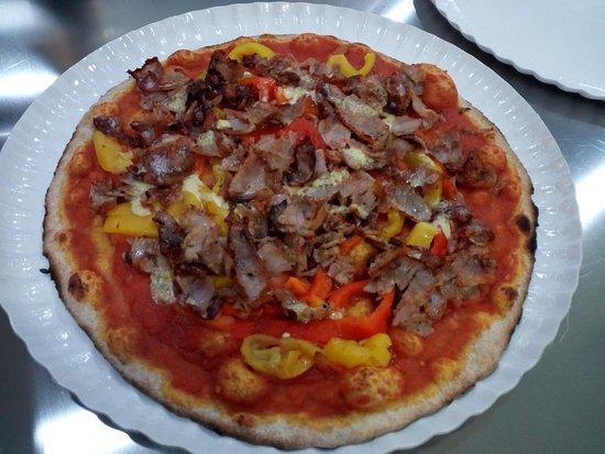 Rossa con Kebab e Peperoni
