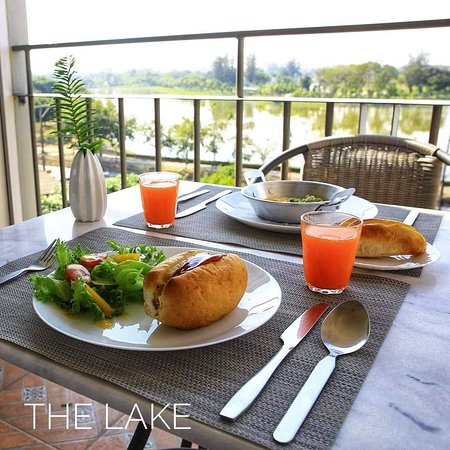 The Lake Udon: Our Asian breakfast set
