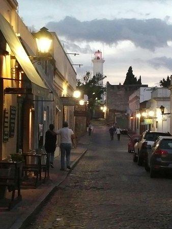 Colonia del Sacramento, Uruguai: Male a mile...stare mestecko s dlazdenymi ulickami a mnohymi fotogenickymi kutmi