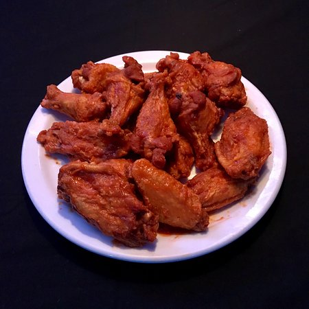The Franchise Sports Bar and Grill: Franchise Zing Wings - 16 flavors