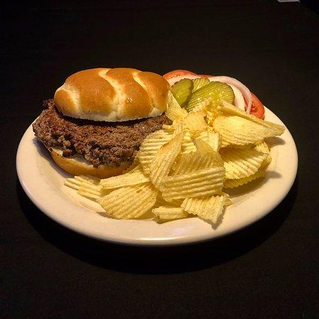 The Franchise Sports Bar and Grill: 1/3 lbb Hamburger