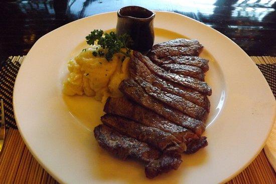 Bodhi Serene Hotel: 75日間熟成のステーキ