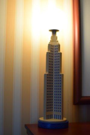 Disney's Hotel New York - The Art of Marvel: magnifique lampe