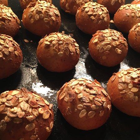 De Pijp Wine & Dine: Our home made bread!