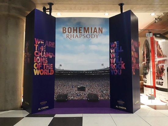 """Melzo, Italy: Il Cinema con la C maiuscola! All'interno della gigantesca Sala Energia,stasera va in scena """"Bohemian Rhapsody"""" (sì,sono fan dei Queen!)"""