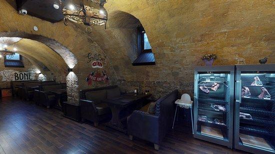T-bone Grill House: Шкафы сухого вызревания мяса!