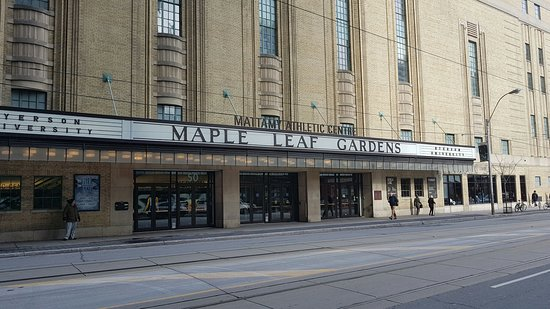 ‪Maple Leaf Gardens‬