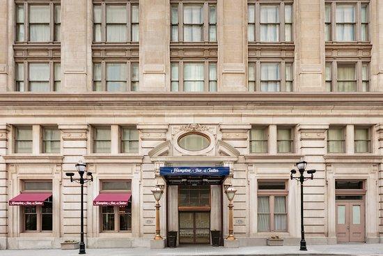 Hampton Inn & Suites Baltimore Inner Harbor Hotel
