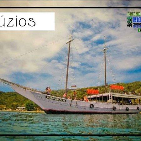 Armação dos Búzios, RJ: Faça uma visita ao Buzios com Freind Rio Legal Tour. Está esperando o que? _____________________________________________  Curiosidades: A região de Búzios e Cabo Frio era habitada pelos ínidos Tupinambás até o início do século 17. Uma série de fatos levaram ao povoamento do local, e finalmente à sua transformação no que hoje é um dos mais famosos destinos turisticos do mundo para quem está em busca de sol, praia e mar. _____________________________________________ Faça já seu orçamento sem compr