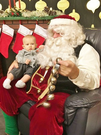 Milk & Cookies with Santa at the Discovery Center!