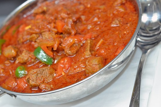 Feedel Bistro: Sagla's Spris  Strips of tender Beef or Lamb sautéed in a well-balanced red Berbere sauce, onions, garlic and tomatoes.
