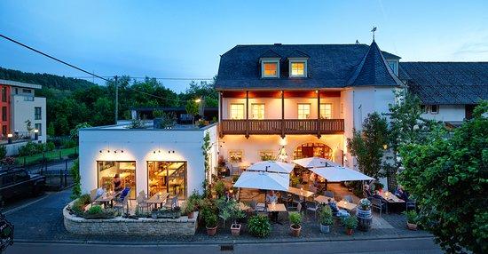 Johannishof Wein-Café / Restaurant & Weingut