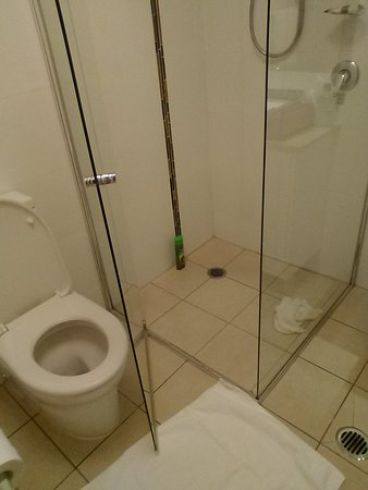 not enough space to access the shower