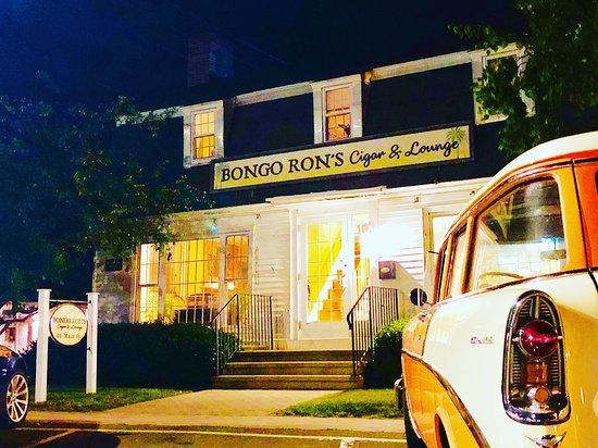 Bongo Ron's Cigar & Lounge