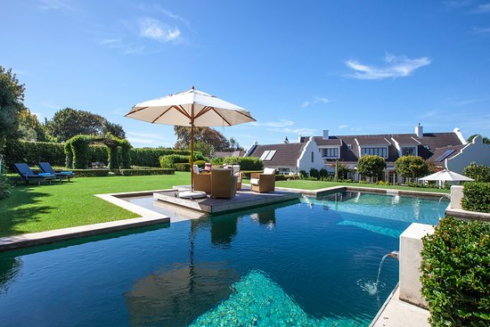 14 on Klein Constantia: Saltwater Pool 4x12m