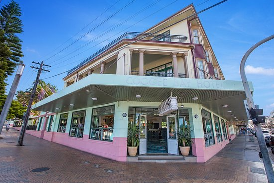 Coogee Bay Hotel - cnr Coogee Bay Road and Arden Street