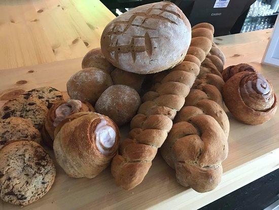Ringebu Municipality, Norway: Hjemmebakt brød og kaker