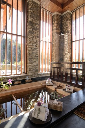 Traditional Hot Stone Bath
