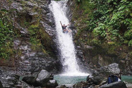 曼努埃尔安东尼奥的全日瀑布冒险