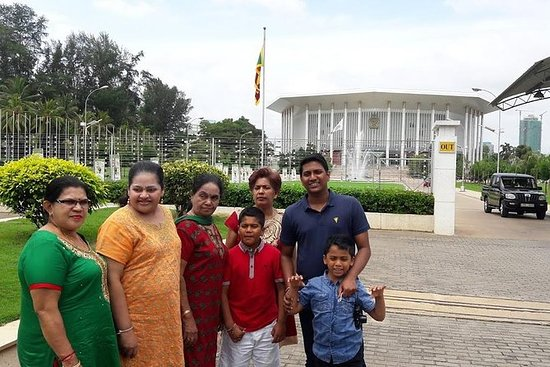 Colombo City Tour en coche de lujo...