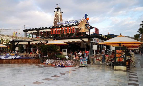 Cafeteria Plaza