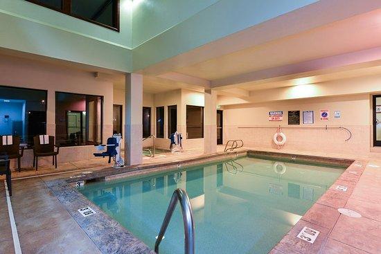 Gladstone, OR: Pool