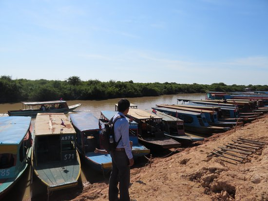 Tonle Sap Lake and Kampong Phluk Private Half Day tour from Siem Reap: Kampong Phluk fishing village