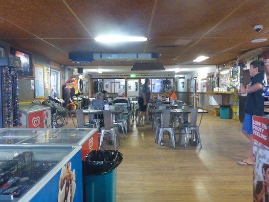 Main Dining Area & Bar