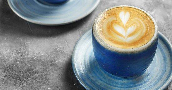 Piccolo Selembut embun menyentuh bibir, Kadar asam kopi tidak dirasa sudah menghilang.
