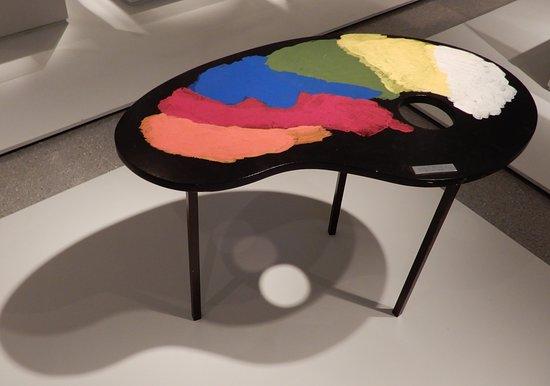 Israel Museum: art moderne Israélien : Table