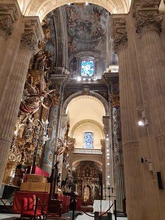Iglesia Colegial del Salvador: interno della Chiesa