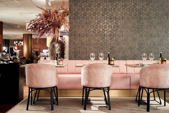 Van der Valk Brussels Airport: Restaurant Catharina