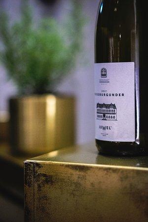 Exklusivabfüllung Juwel Weissburgunder