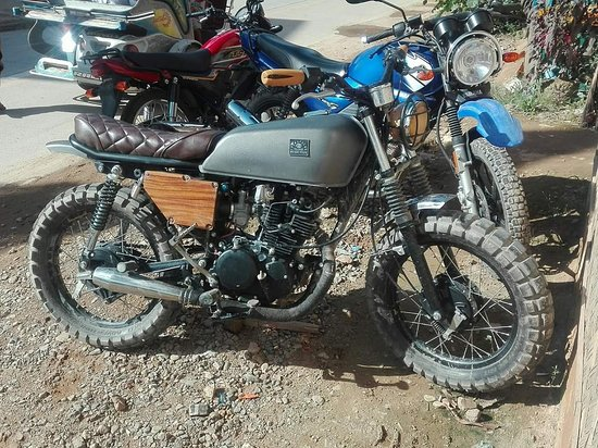 El Nido, Fülöp-szigetek: Photos of custom builds motorcycles.