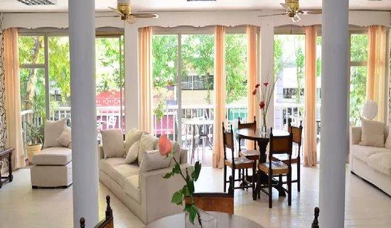 Colonia del Sacramento, Uruguai: comedor con exelente comodidad, con vista al centro