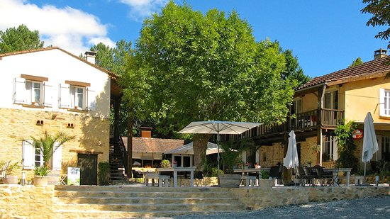 Coux-et-Bigaroque, France: La terrasse convivial