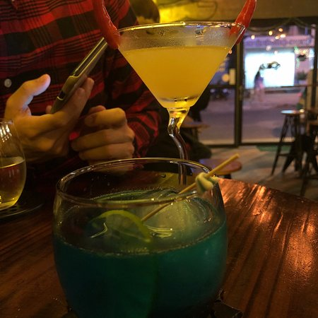 Heyla nice ppl free drinks