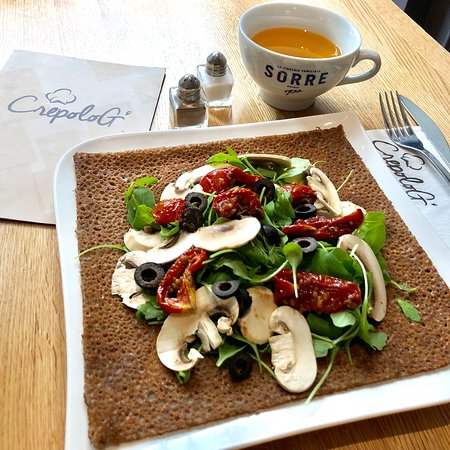 Galette aux champignons de Paris, emmental et tomates séchées