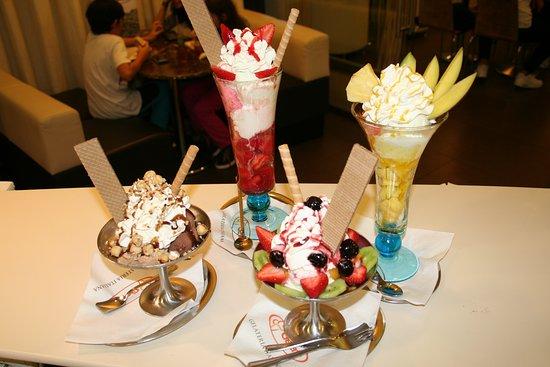 Tipycal italian sundaes:strawberries,mango,nuts...