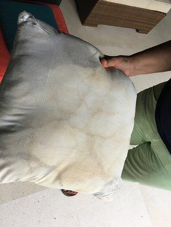 so wie dieses Kissen, sieht die Matratze aus!