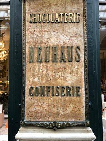 Neuhaus Galerie de la Reine - L'atelier de Neuhaus: store