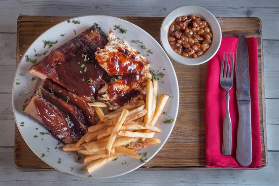 The Machine Shed Restaurant: Barbeque Combo