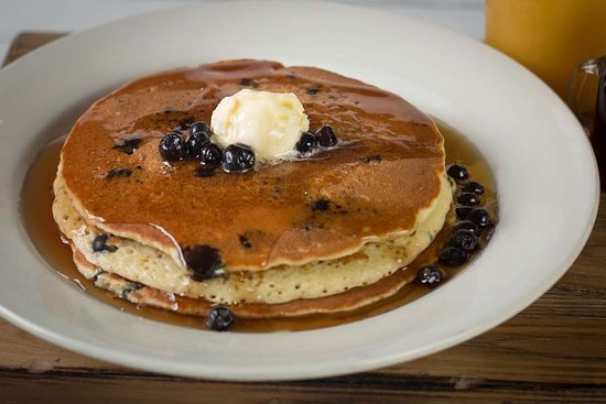 The Machine Shed Restaurant: Blueberry Pancakes